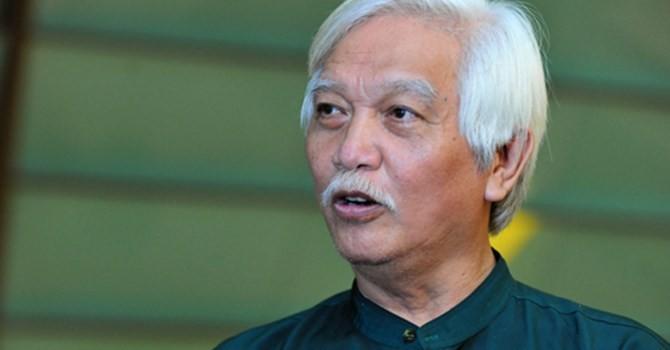 Ông Dương Trung Quốc: Vụ khởi tố chủ quán phở… hơi lạ!