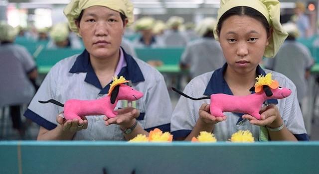 Đồ chơi trẻ em Trung Quốc được tạo ra trong môi trường thế nào?