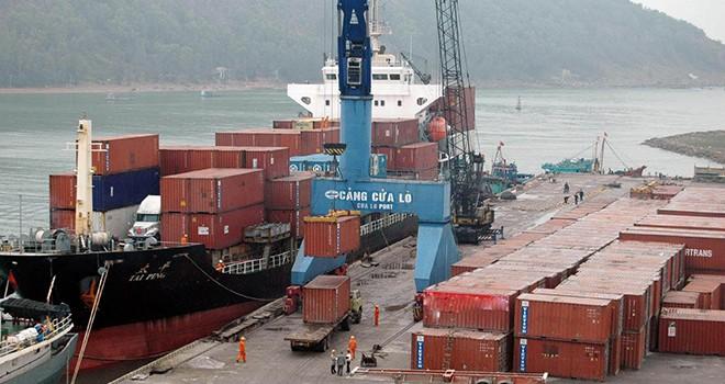 Cước thấp, cung nhiều cầu ít, vận tải biển Việt Nam đã khó càng thêm khó