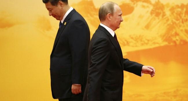 """Trung Quốc """"xỏ mũi"""", Nga ngậm đắng"""