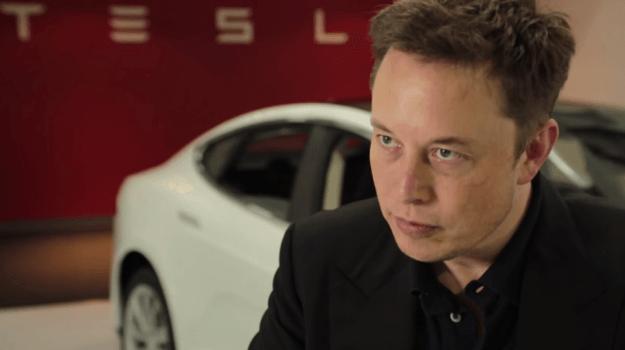 Elon Musk tuyên chiến với ngành công nghiệp dầu khí
