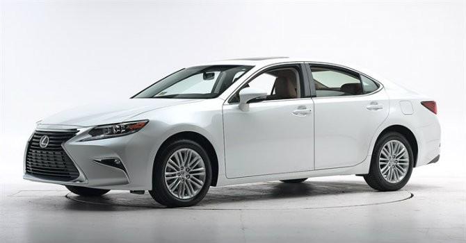 Dính lỗi phanh, Toyota triệu hồi khẩn dòng xe sang Lexus