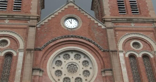 Bí mật bên trong chiếc đồng hồ cổ nhất ở nhà thờ Đức Bà Sài Gòn
