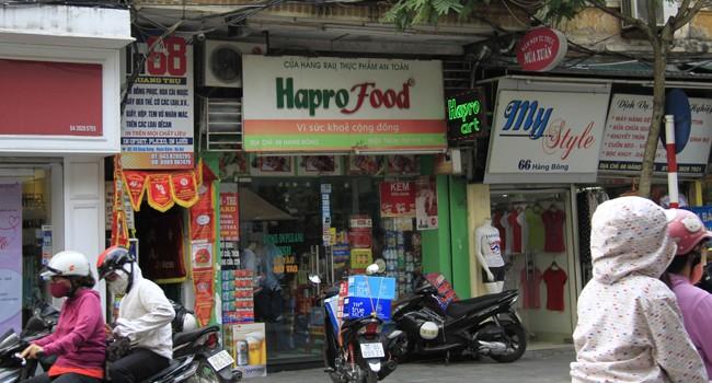 Teo tóp cửa hàng rau sạch Hapro, vì sao?