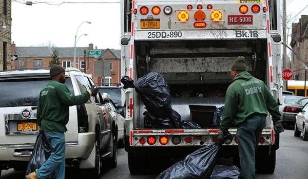Vì sao làm công nhân nhặt rác tại Mỹ còn khó hơn đỗ Đại học Harvard?