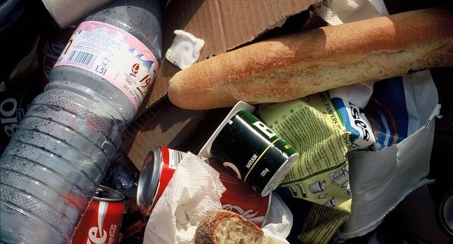 Pháp mỗi năm phí phạm 10 triệu tấn thực phẩm, trị giá 16 tỷ euro