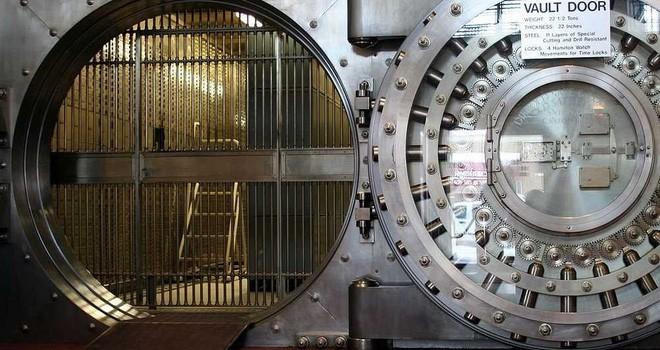 Âm mưu của Trung Quốc khi mua hầm vàng lớn nhất nhì thế giới