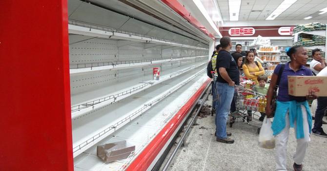 """""""Cơn ác mộng"""" tại các cửa hàng, siêu thị tại Venezuala"""