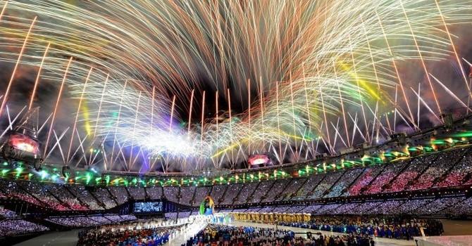 Mướt mồ hôi sau những mùa Euro, World Cup bạc tỷ