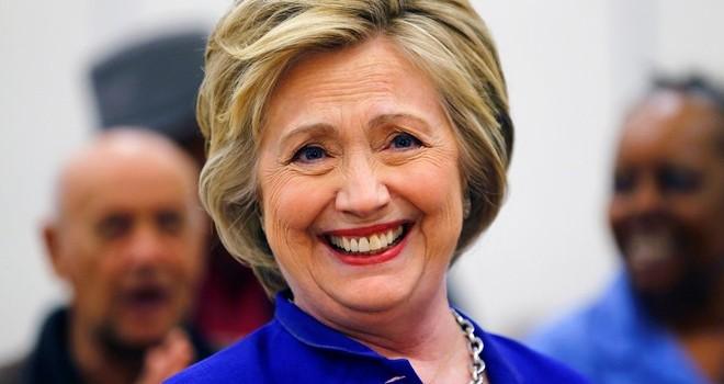 AP: Clinton chính thức là ứng viên tổng thống đảng Dân chủ