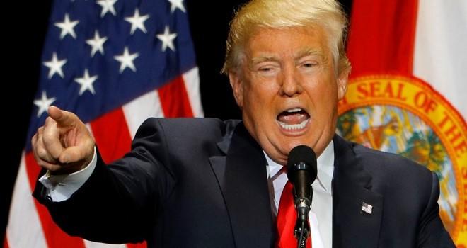 Trump tận dụng vụ xả súng đòi Tổng thống Obama từ chức
