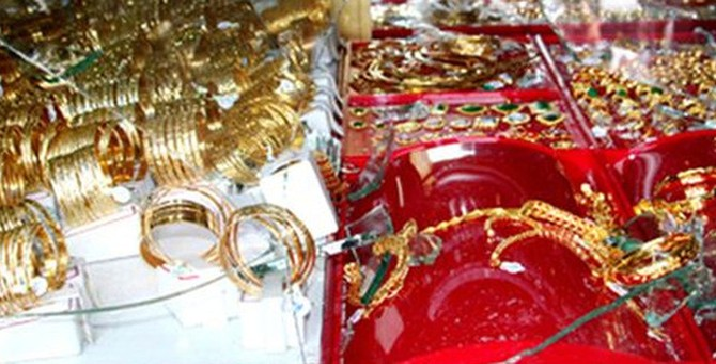 Người Trung Quốc giả làm phép chữa bệnh, lừa vàng ở Sài Gòn