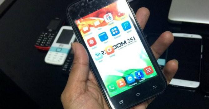 Smartphone rẻ nhất thế giới giống iPhone 5