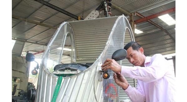 """Thợ cơ khí xứ Nghệ chế tạo """"máy bay trực thăng"""" từ đống đổ nát để chữa cháy rừng"""