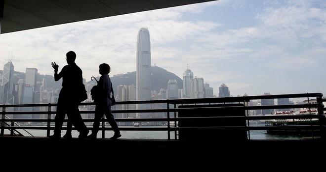 """Trung tâm tài chính Hồng Kông và Singapore """"gánh bão"""" từ Trung Quốc"""