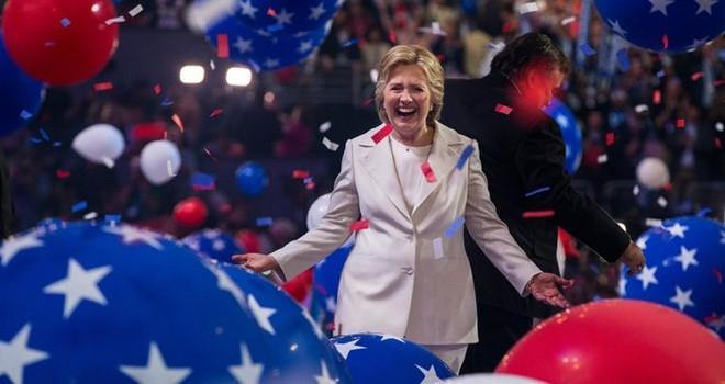 Đội ngũ tranh cử của bà Clinton cũng bị tấn công mạng