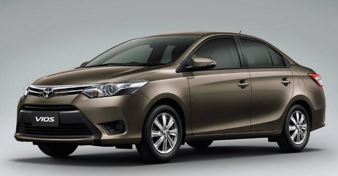 """Top xe bán chạy: Toyota Vios """"đá"""" Ford Ranger khỏi vị trí số 1"""