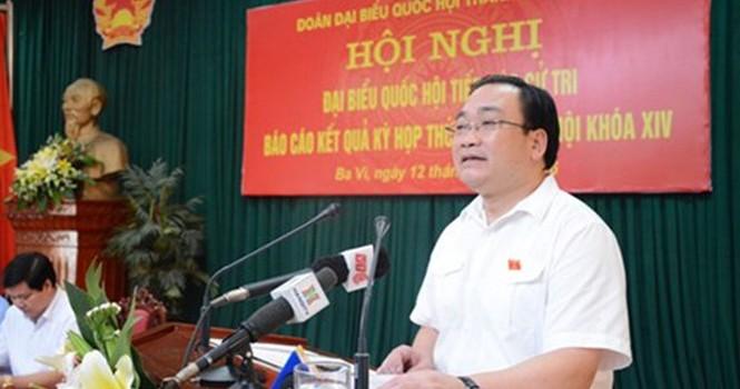 Quá ô nhiễm, cử tri đề nghị Bí thư Hà Nội đi kiểm tra bãi rác