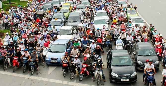 Phó thủ tướng Trịnh Đình Dũng: Chúng ta may mắn là có nhiều xe máy…