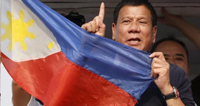 Tổng thống Philippines có thể hầu tòa vì chiến dịch ma túy