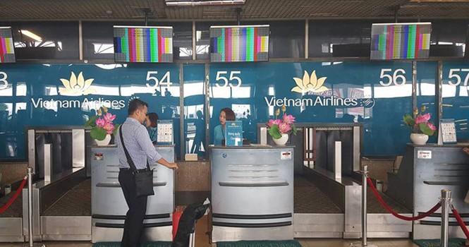 Màn hình ở sân bay Nội Bài bị sự cố kỹ thuật