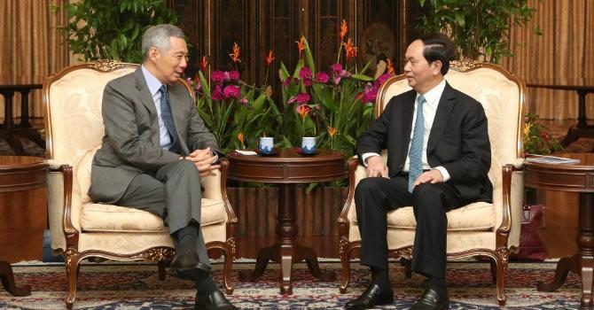 Ông Lý Hiển Long đăng ảnh hội kiến cùng Chủ tịch nước Trần Đại Quang lên Facebook cá nhân
