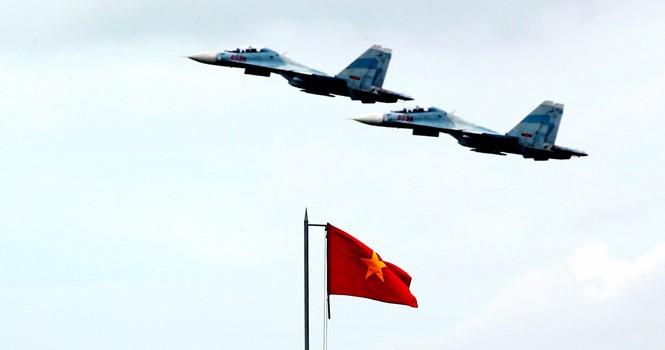 """Làm chủ """"Hổ mang chúa"""" SU-30MK2"""