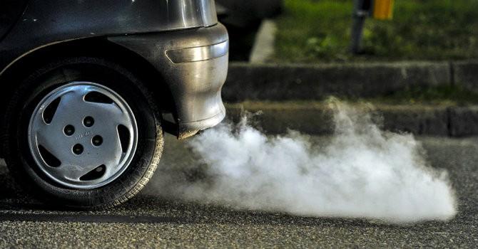 """Đại lý tăng khuyến mại kích cầu xả hàng ô tô tiêu chuẩn Euro 2 trước """"giờ G"""""""