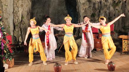 Biến vịnh Hạ Long thành phòng tiệc: Di sản bị đặt sau lợi ích doanh nghiệp?