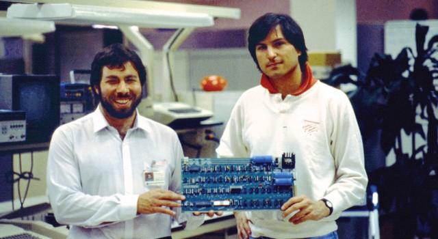Vì sao Steve Jobs lại đặt tên công ty là Apple?