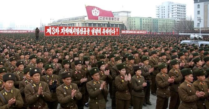 """Triều Tiên """"nuôi"""" các chương trình hạt nhân bằng cách nào?"""