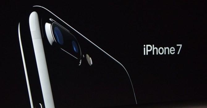 Công nghệ 24h: iPhone 7 tụt giá liên tục, màu Jet Black hết hàng