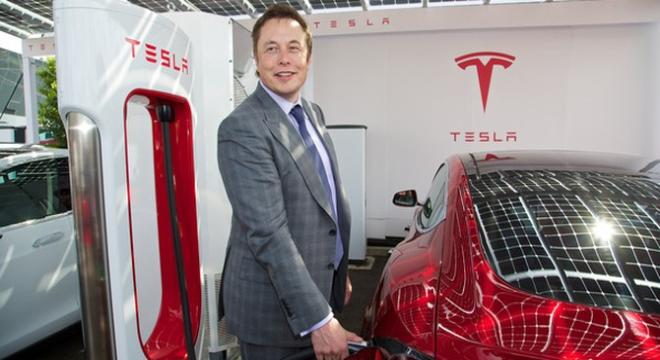 """Nếu các hãng ô tô lớn đều chạy đua làm xe điện, Elon Musk và Tesla có tài ba mấy cũng """"hít khói""""?"""