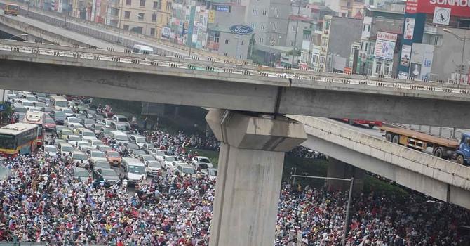 Đề xuất cấm xe máy ngoại tỉnh vào Hà Nội: Người trong cuộc nói gì?
