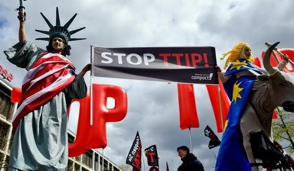 Mỹ-EU khó hoàn tất thỏa thuận thương mại lớn nhất thế giới