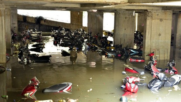 """Xe máy 5 triệu: Ham rẻ rước """"của nợ"""" xe ngập nước"""