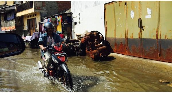 """Đứng trước nguy cơ """"chìm nghỉm"""" như Sài Gòn, Jarkarta chuẩn bị xây một công trình chắn sóng lớn nhất lịch sử"""