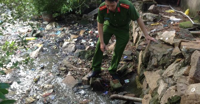 Nhiều doanh nghiệp chế biến hải sản xả nước thải ra sông Cửa Lấp