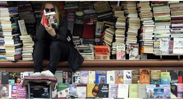 Bí quyết gì giúp cửa hàng sách nhỏ vốn yếu thế hơn hẳn Amazon, nhưng lại bật lên được nhờ Internet?