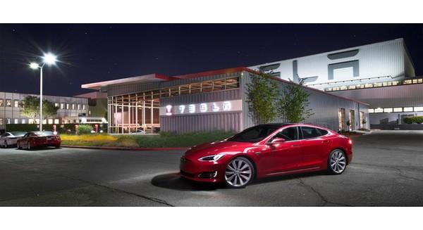 Số liệu mới cho thấy Tesla đang đè bẹp cả Mercedes, BMW, Audi... tại phân khúc xe hạng sang