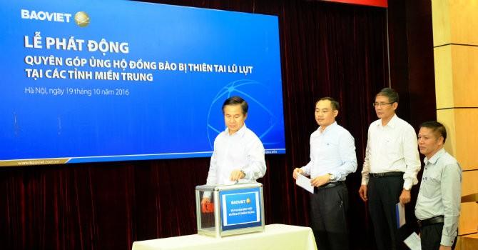 Tập đoàn Bảo Việt ủng hộ hơn 1 tỷ đồng cùng miền Trung vượt lũ