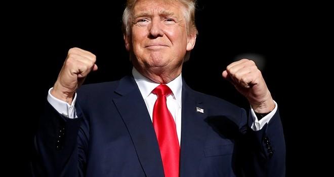 """Trump và """"cơn nghiện"""" phát ngôn trên Twitter lúc 3h sáng"""