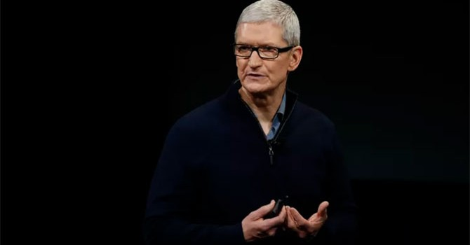 """Tim Cook kêu gọi nhân viên Apple """"đoàn kết"""" sau khi Donald Trump đắc cử"""