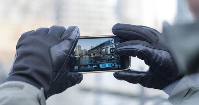 Miếng dán giúp sử dụng găng tay trên điện thoại thông minh