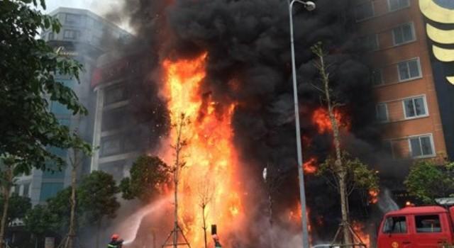 """Toàn bộ quán karaoke ở Cầu Giấy """"có vấn đề"""" phòng cháy, chữa cháy"""