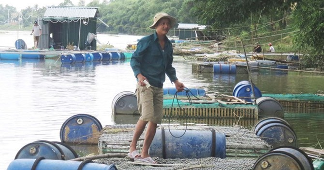 Tự tạo cơ hội: Nuôi cá sạch trên sông