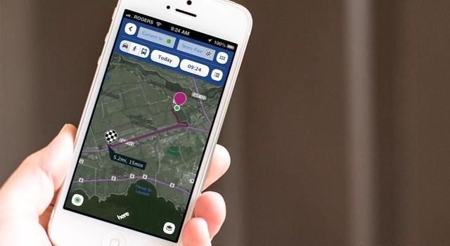 Apple, Samsung được kêu gọi chặn ứng dụng khi lái xe