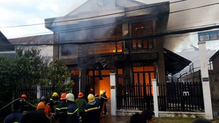 Cháy nhà ở Sài Gòn, ít nhất 2 người chết