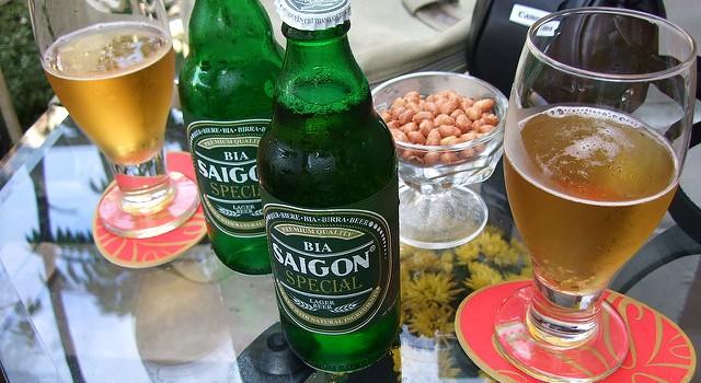 """Vì sao Bia Sài Gòn """"gây khó dễ"""" được Habeco ở thị trường phía Bắc?"""