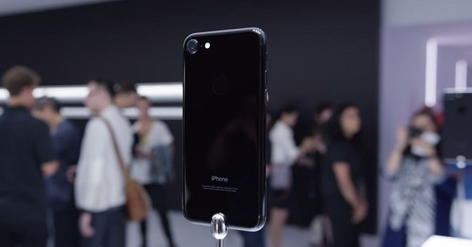 Pin iPhone 7 sẽ yếu đi sau 1 năm sử dụng